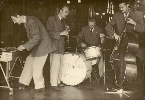 Herinneringen aan jazzdrummer Joop Korzelius. (3/3)